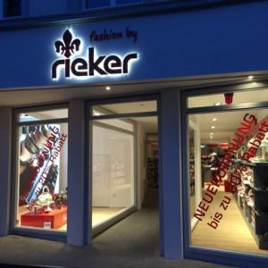 RiekerStore_Kempen_Background_480x640.